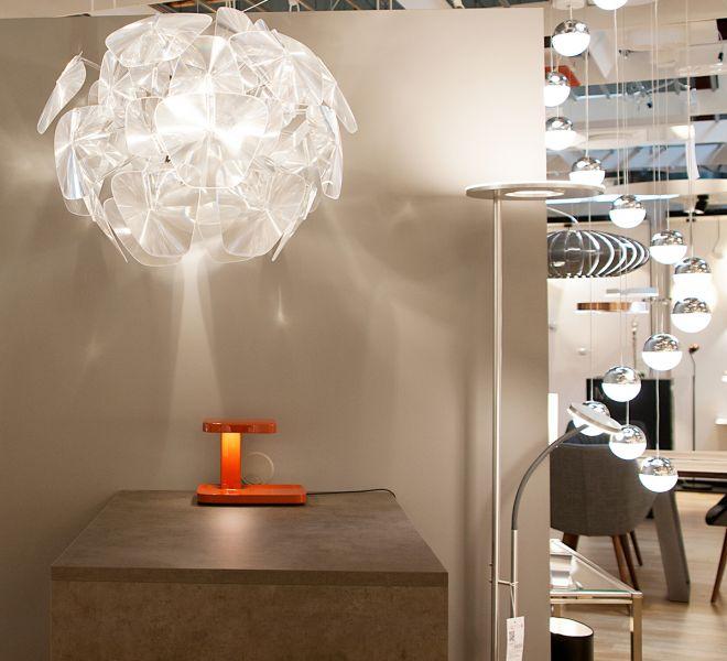 Leuchtenland-Ausstellung-Store-Luenen